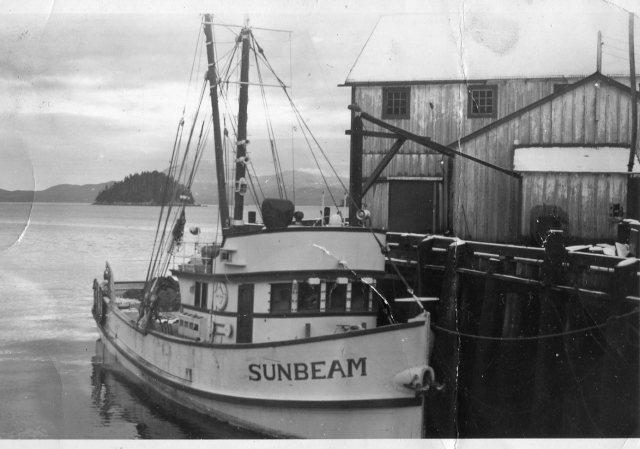 Luketa's Trawler SunbeamDunatov Photo