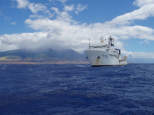 NOAA Ship Oscar Elton Sette off Maui in 2004_NOAA Photo by Ray Boland